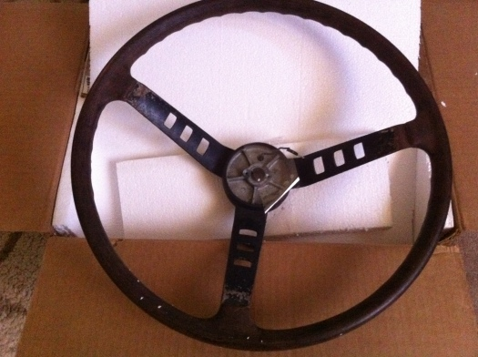 240z steering wheel - DailyDatsun.com