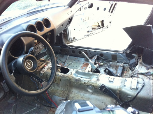 280z interior - gutted
