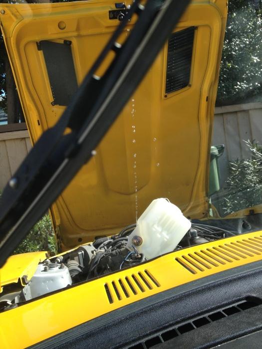 Daily-Datsun-280z-windshield-washer-reservoir-motor (10)