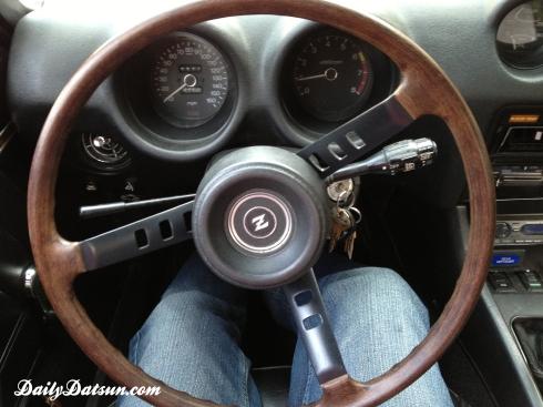 Daily-Datsun-240z-280z-steering-wheel (1)